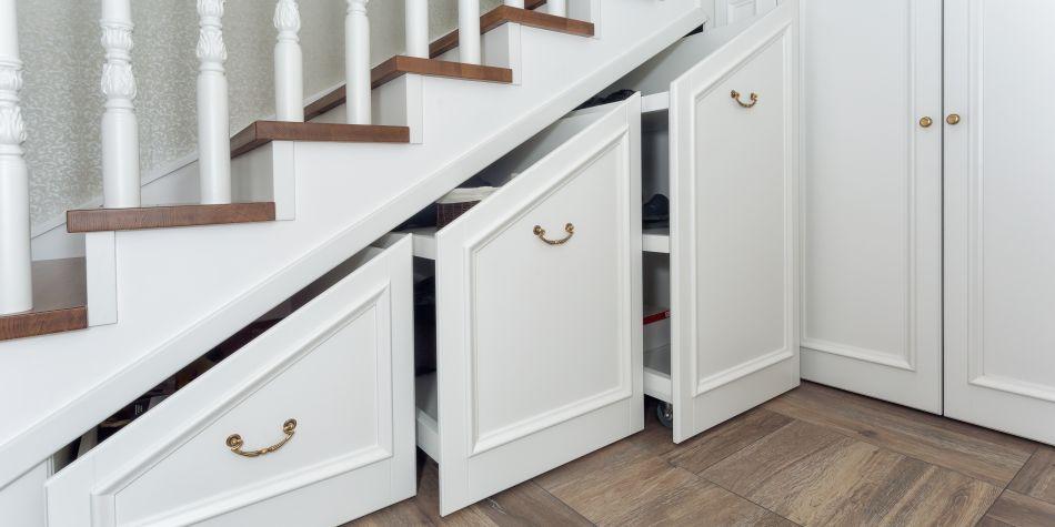am nagez facilement votre penderie sous escalier espace les astuces et conseils. Black Bedroom Furniture Sets. Home Design Ideas